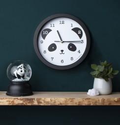 A little lovely company - klok panda
