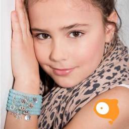 Mie Toe - Dochter armbandje met initiaal Q