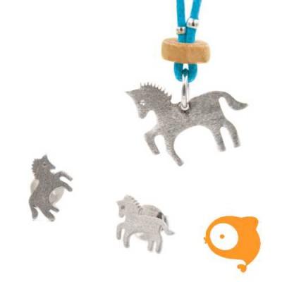 By Nebuline - Set van oorbellen en blauwe ketting met paard verzilverd