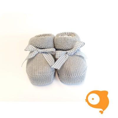 Fior di Coccole - Gebreide sokjes grijs met geruit strikje Newborn (wol)