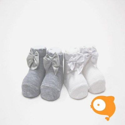 In Control - Newborn sokjes satin bow white/grey (set van 2)